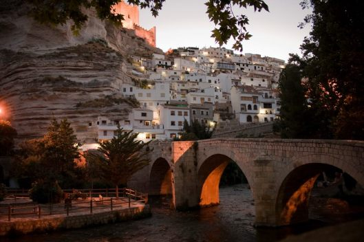 http://casasruralesalcaladeljucar.net/puente-romano-de-alcala-del-jucar/